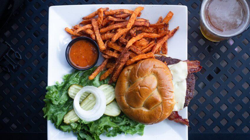 Caliente Burger, Billings Montana (2019).