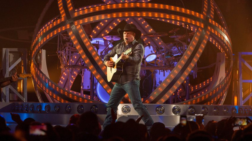 Country music star Garth Brooks kicks off his Garth Brooks World Tour at the Allstate Arena, in Rosemont, IllGarth Brooks In Concert - Rosemount, IL.