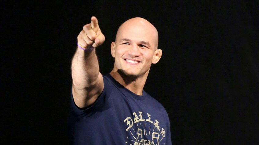 Junior dos Santos, UFC, wrestling