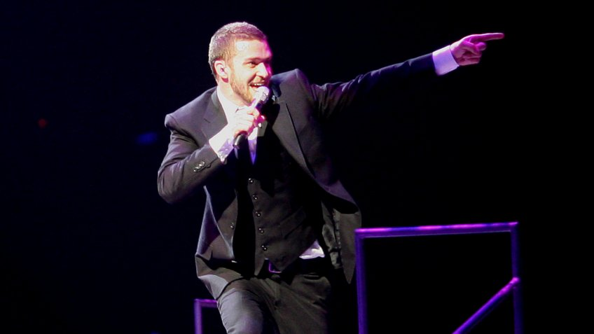 Singer Justin Timberlake sings to a sell out crowd in Belfast, Northern Ireland, Tuesday, April, 24, 2007.
