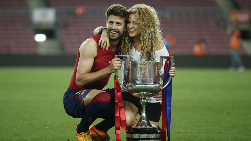 Fc Barcelona's Gerard Pique (l) with His Girlfriend Colombian Singer Shakira Celebrates His Team's Victory Over Athletic Bilbao at the End of the Spanish King's Cup Final Match at Camp Nou Stadium in Barcelona Spain 30 May 2015 Spain BarcelonaSpain Soccer King's Cup - May 2015.