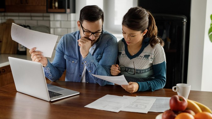 Couple going through financial problems.