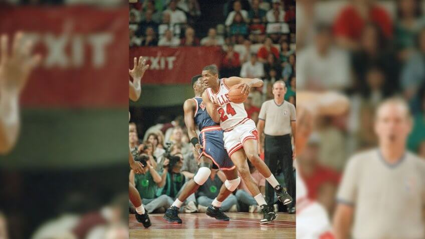 The Chicago Bulls' Bill Cartwright (24) tries to drive around the New York Knicks' Patrick Ewing during the first quarter of Game of 4 of the Eastern Conference semifinals, in ChicagoKnicks vs Bulls Basketball, Chicago, USA.