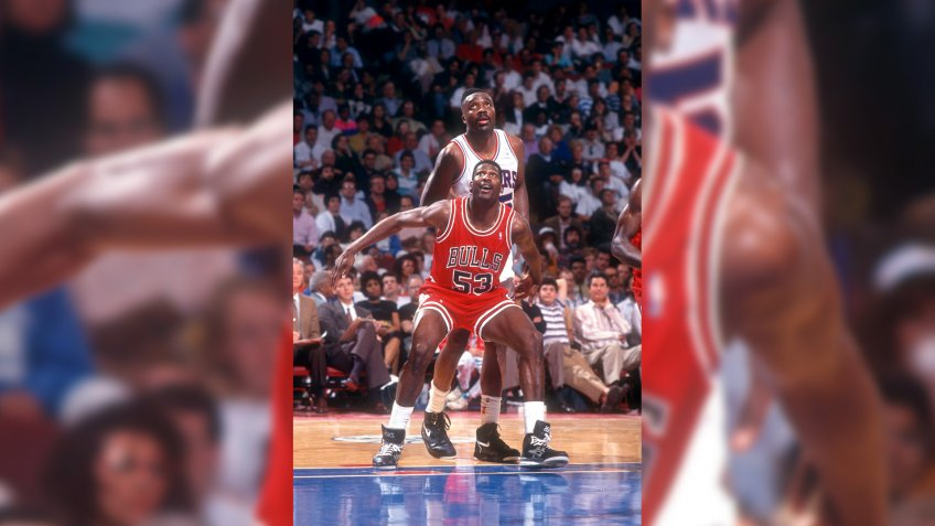 PHILADELPHIA, PA - MAY, 1991:  Cliff Levingston #53 of the Chicago Bulls boxes out Armen Gilliam #35 of the Philadelphia 76ers during a game in the 1991 Eastern Conference Semifinals against the Philadelphia 76ers circa May, 1991 at the Spectrum in Philadelphia, Pennsylvania.