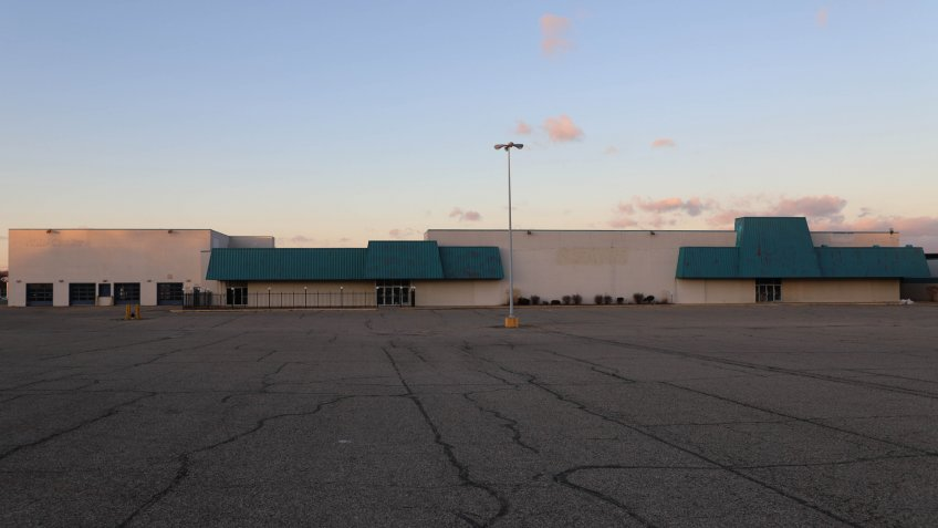 Logansport, Indiana / USA - 12/4/2019: Old Sears retail store located in the Logansport Mall.