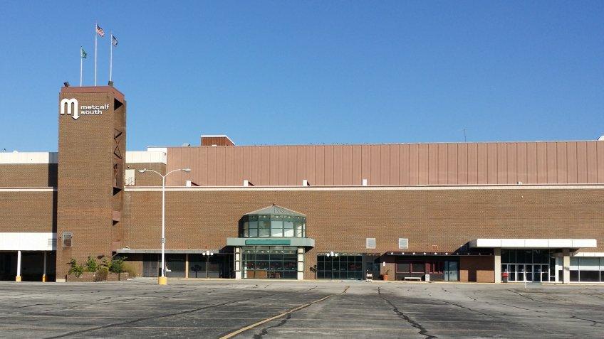 Metcalf South Shopping Center in Overland Park, Kansas.