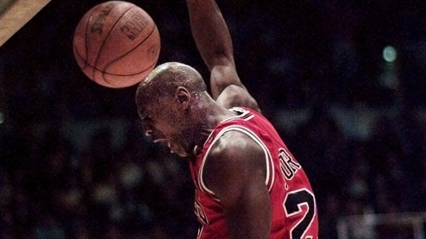 JORDAN Chicago Bulls' Michael Jordan dunks for two points against the Los Angeles Lakers in the first quarter, in Inglewood, CalifBULLS LAKERS, INGLEWOOD, USA.