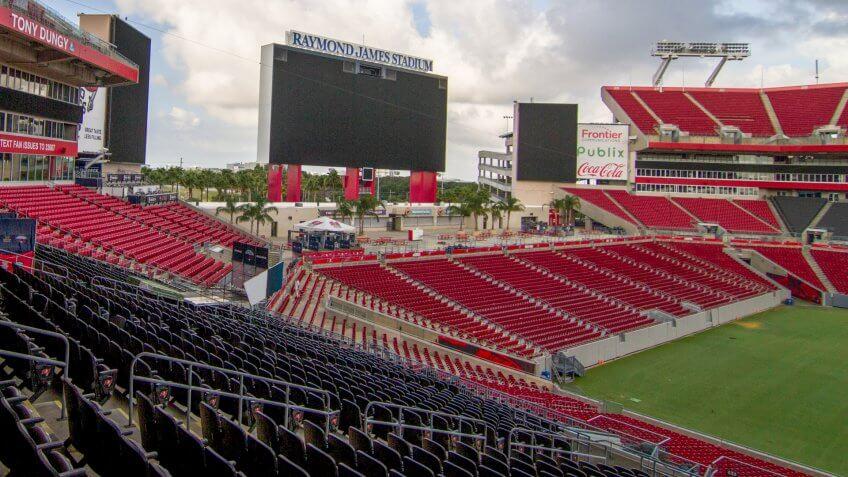 05-29-19 - TAMPA - FLORIDA - USA - RAYMOND JAMES STADIUM AND BIG SCREEN.