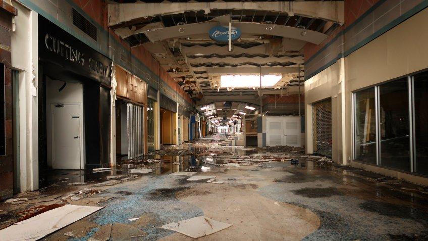 WAYNE, NEW JERSEY/USA - January 2, 2019: Interior of the abandoned Wayne Hills Mall at 1 Wayne Hills Mall, Wayne, NJ 07470.