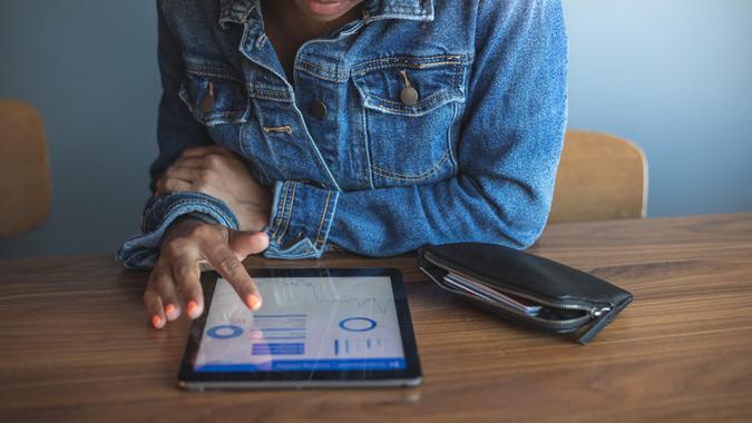 Female millennials & New Ways of Investing.