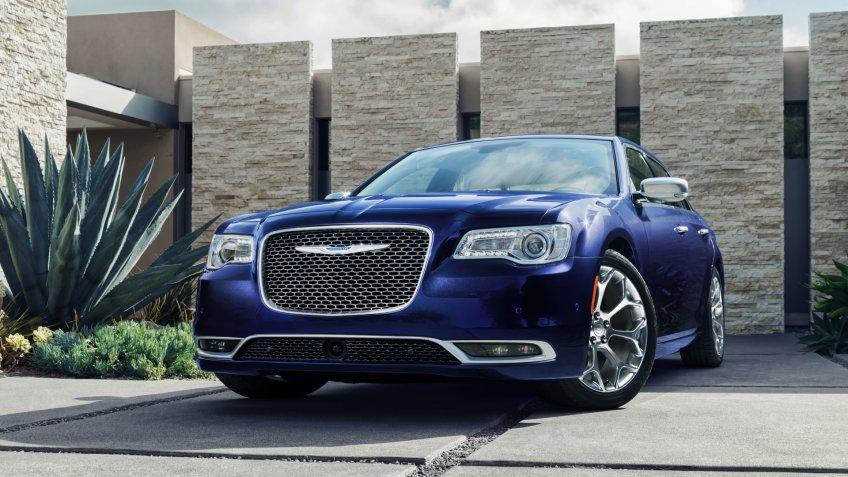 2020 Chrysler 300C.