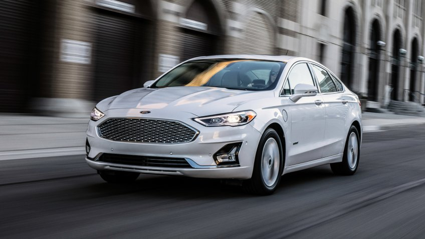 The 2020 Ford Fusion carries forward sleek, modern styling with, hybrid and plug-in hybrid capability and available new tech features to improve convenience and connectivity.