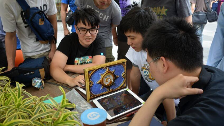 People Playing Hearthstone.