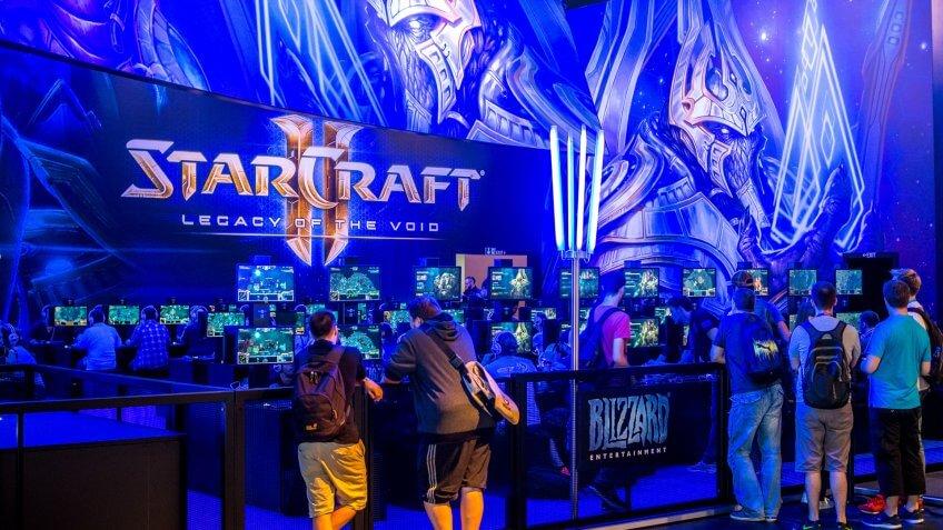 StarCraft II at Gamescon 15.