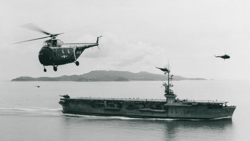 USS Sicily (CVE-118) launches U.