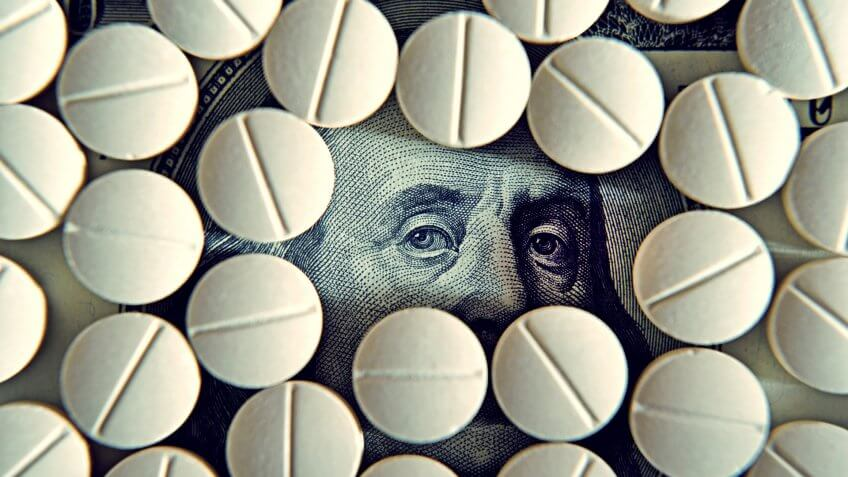 chloroquine tablets with hundred dollar bill