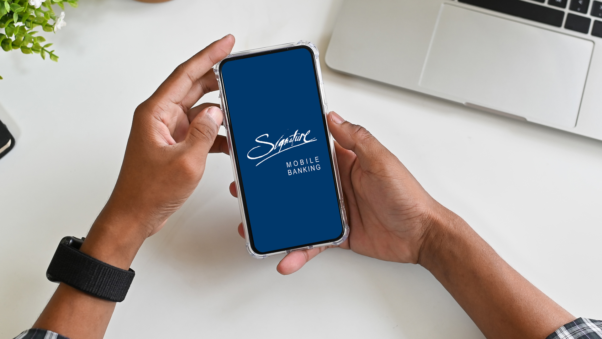 Signature Bank mobile banking app