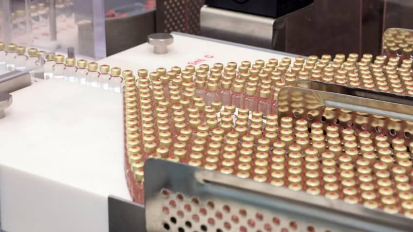 Many cartridges of insulin.