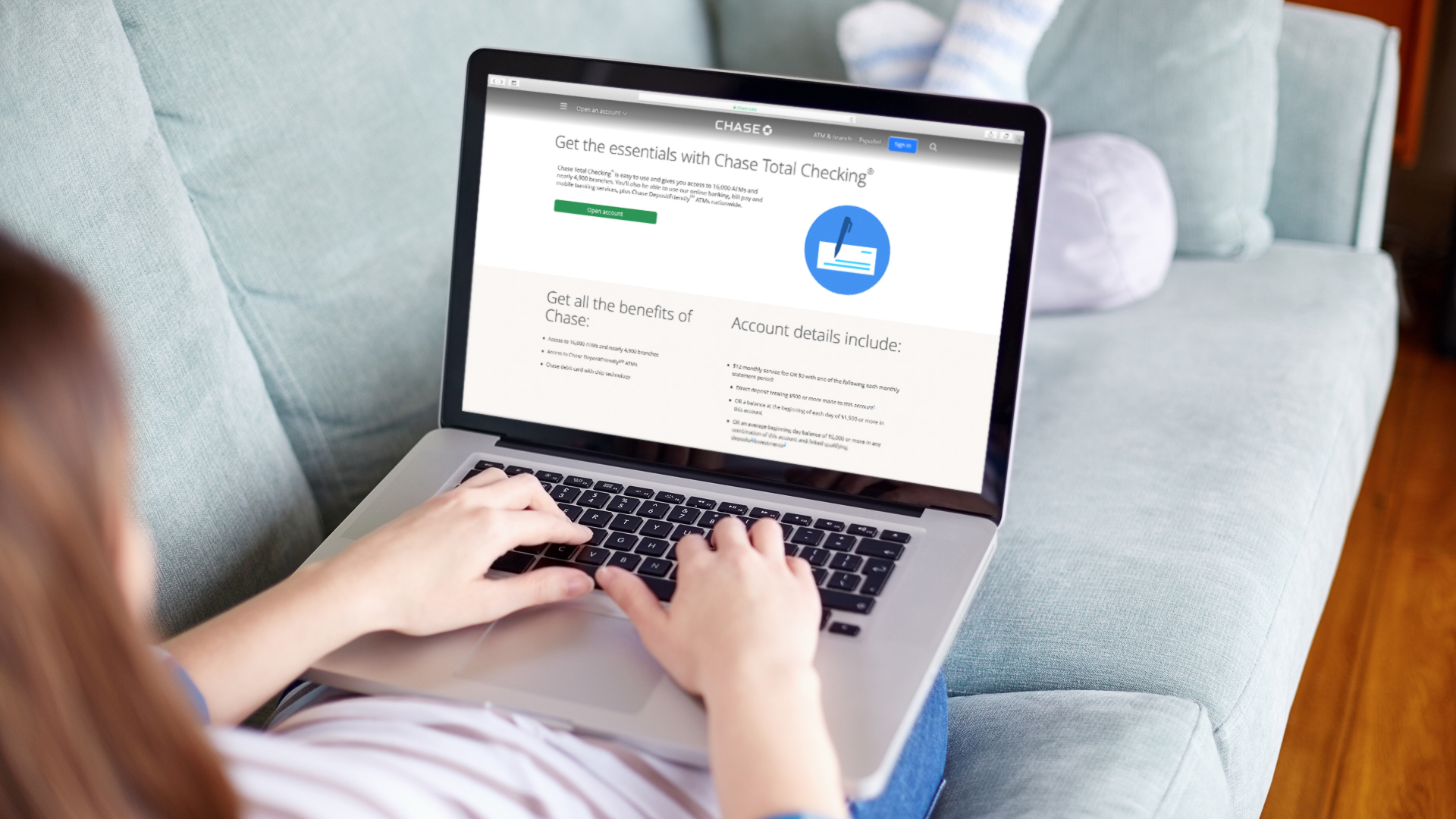 woman searching on Chase Total Checking account website