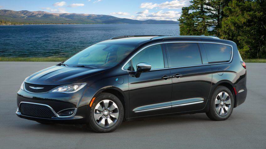 2020 Chrysler Pacifica Hybrid.