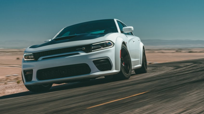 The 2020 Dodge ChargerScat Pack Widebodyfeatures abest-in-class, naturally aspirated485-horsepower from the proven392 cubic inch HEMI® V-8 engine.