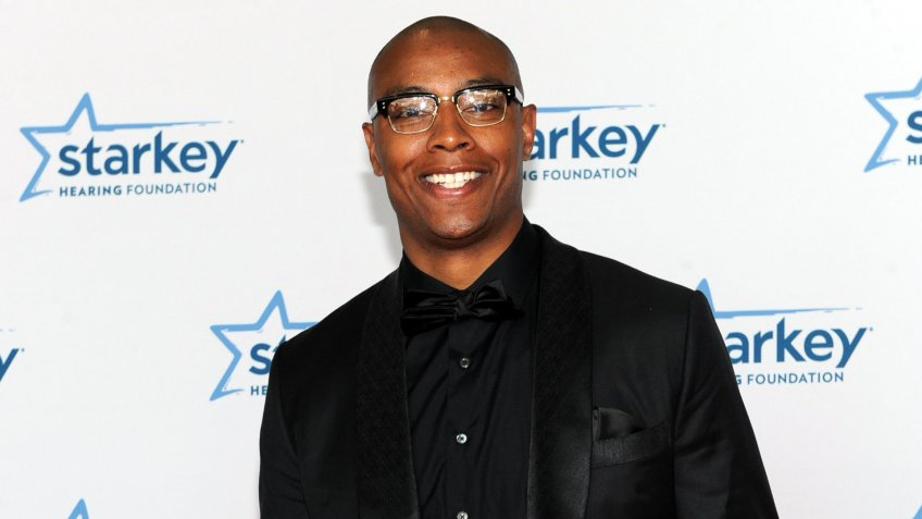 "Los Angeles Clippers' Caron Butler is seen on the red carpet at the Starkey Hearing Foundation's ""So the World May Hear"" Awards Gala on in St."