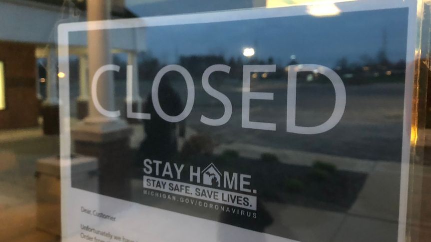 Closed restaurant business sign
