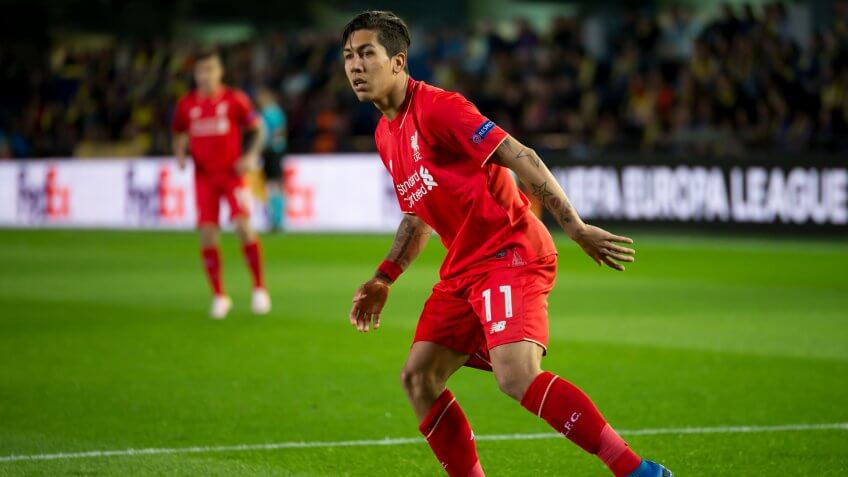 VILLARREAL, SPAIN - 28 APR: Roberto Firmino plays at the Europa League semifinal match between Villarreal CF and Liverpool FC at the El Madrigal Stadium on April 28, 2016 in Villarreal, Spain.