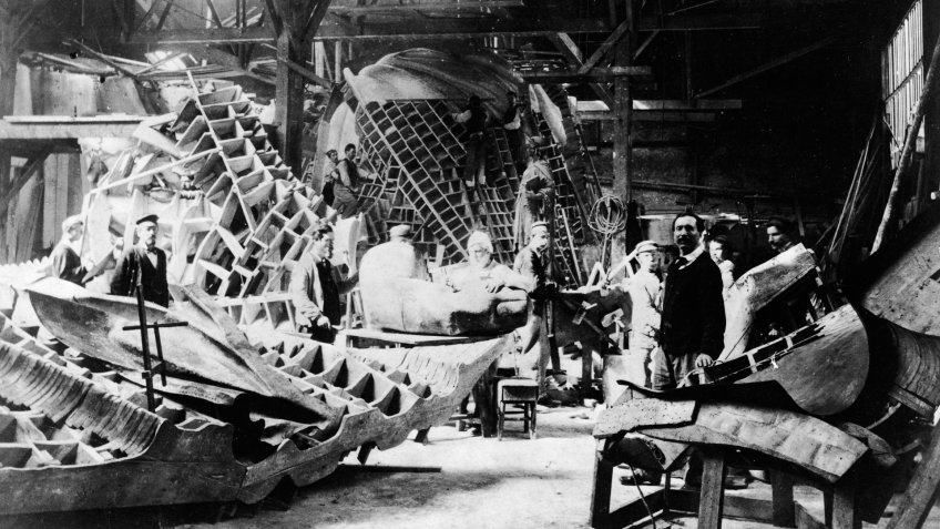 View of portions of the Statue of Liberty during its construction in the workshop of French sculptor Frederic Auguste Bartholdi, Paris, France, circa 1880.