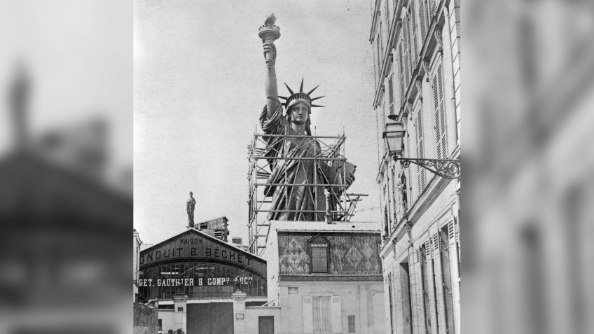 (Original Caption) Paris, France: Statue of Liberty in Paris created for shipment to the United States.
