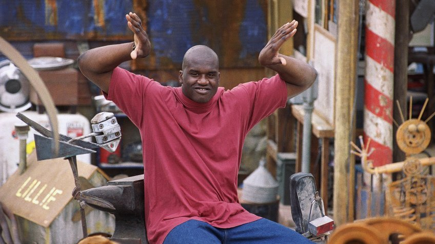 Mandatory Credit: Photo by Nick Ut/AP/Shutterstock (6527254a)Shaquille O'Neal Shaquille O'Neal gestures during the filming of the Warner Bros.