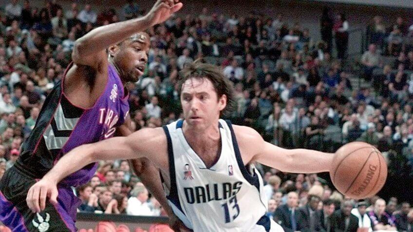 NASH WILLIAMS Dallas Mavericks guard Steve Nash (13) moves around Toronto Raptors guard Alvin Williams in the first half of their game, in Dallas.