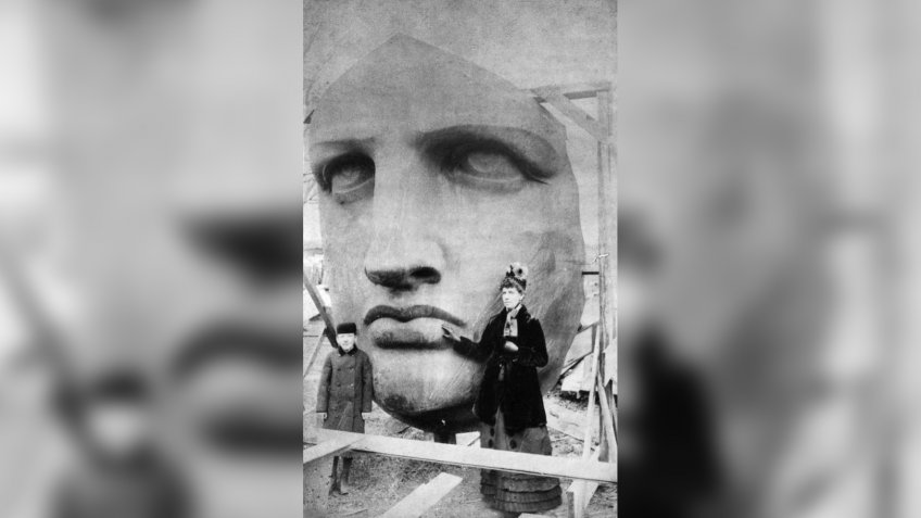 Unpacking the Statue of Liberty head