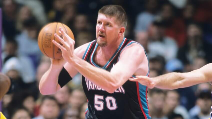 FILE:  Bryant Reeves of the Vancouver Grizzlies during a National Basketball Association game against the Los Angeles Lakers at the Staples Center in Los Angeles, CA.