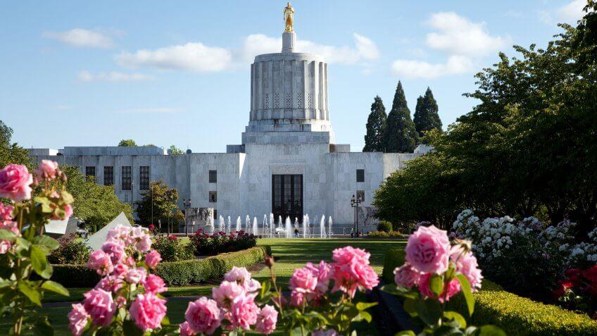 Oregon Capital Building in city of Salem, USA.