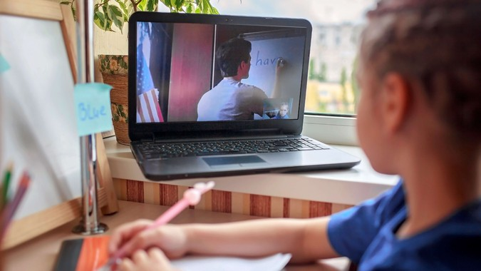 English class with student tutor online.