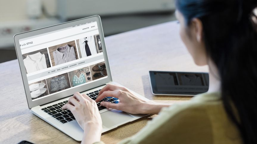 woman online shopping for clothes