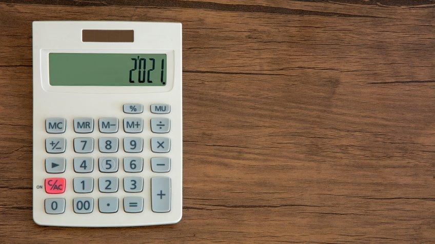 2021 written on the calculator.