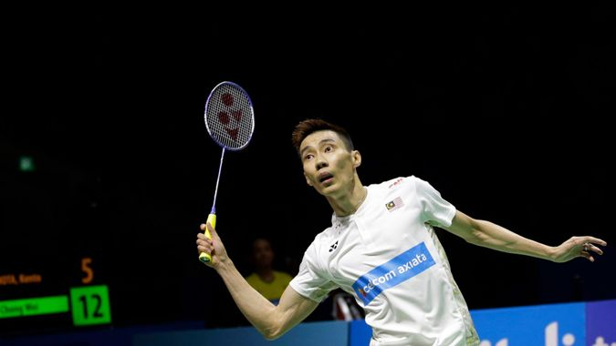 Mandatory Credit: Photo by Achmad Ibrahim/AP/Shutterstock (9744562j)Malaysia's Lee Chong Wei plays a shot to Japan's Kento Momota in their men's singles semi final match during the Indonesia Open badminton championship in Jakarta, IndonesiaBadminton, Jakarta, Indonesia - 07 Jul 2018.