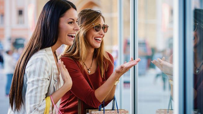 Women in shopping.