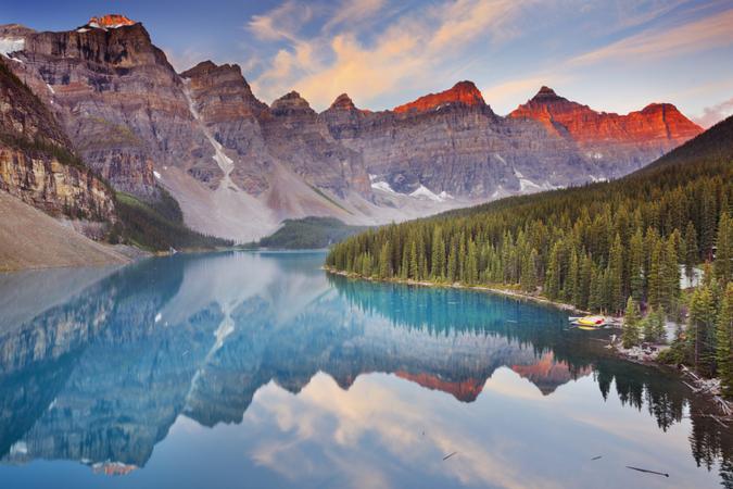 Beautiful Moraine Lake in Banff National Park, Canada.