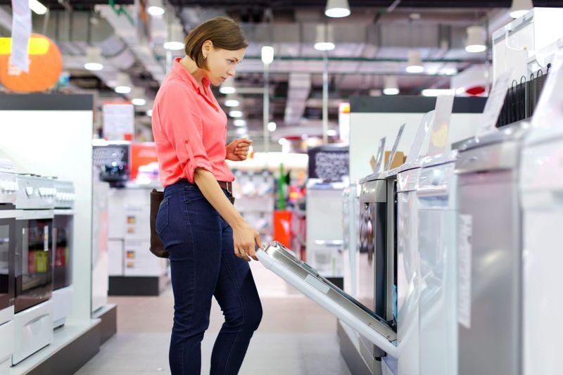 woman buys a Dishwasher.