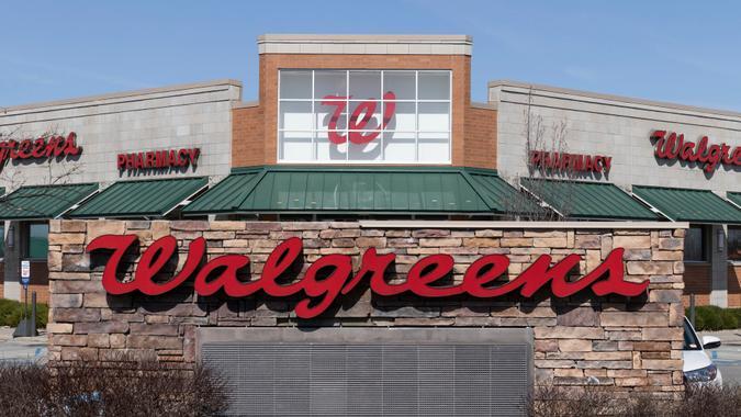 Noblesville - Circa March 2021: Walgreens Retail Location.