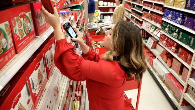 Target Wages, Edison, USA - 16 Nov 2018