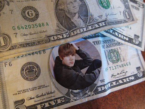 Happy Birthday Justin Bieber: Pay Close Attention to the Biebs If You Want More Money In Your Savings Account