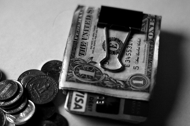 Poll Finds 73% of Americans Are Incapable of Saving Money