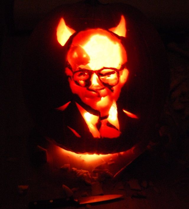 Warren Buffett pumpkin-cropped