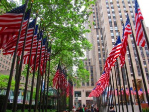 are banks open on memorial day 2014