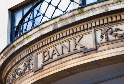 Study: Local Banks and Credit Unions Kill Big Banks When It Comes to Savings Account Rates