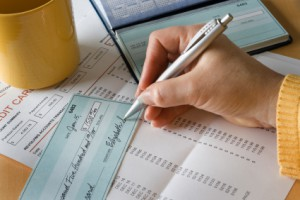 3 Ways to Manage Your Money Better in 2014 with a GLCU Checking Account